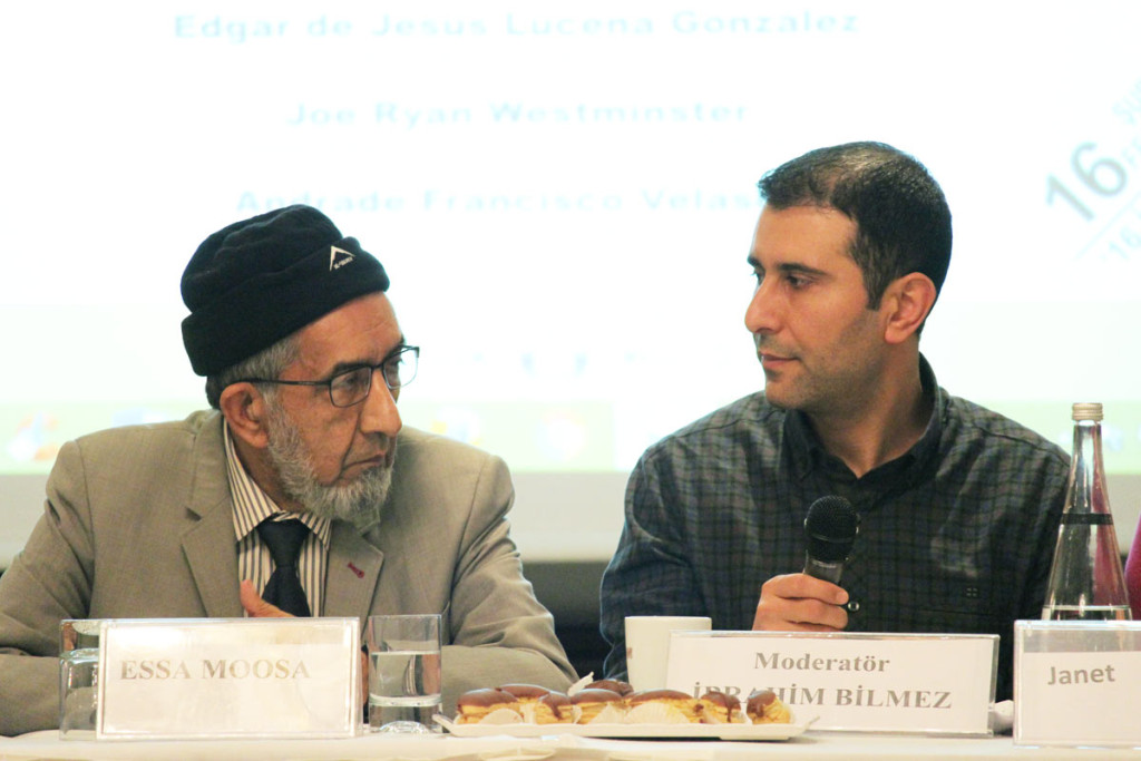 Essa Moosa, ledare för delegationen, och Ibrahim Bilmez, en av Öcalans advokater.